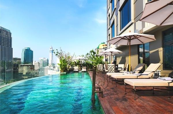 thai hotel .jpg